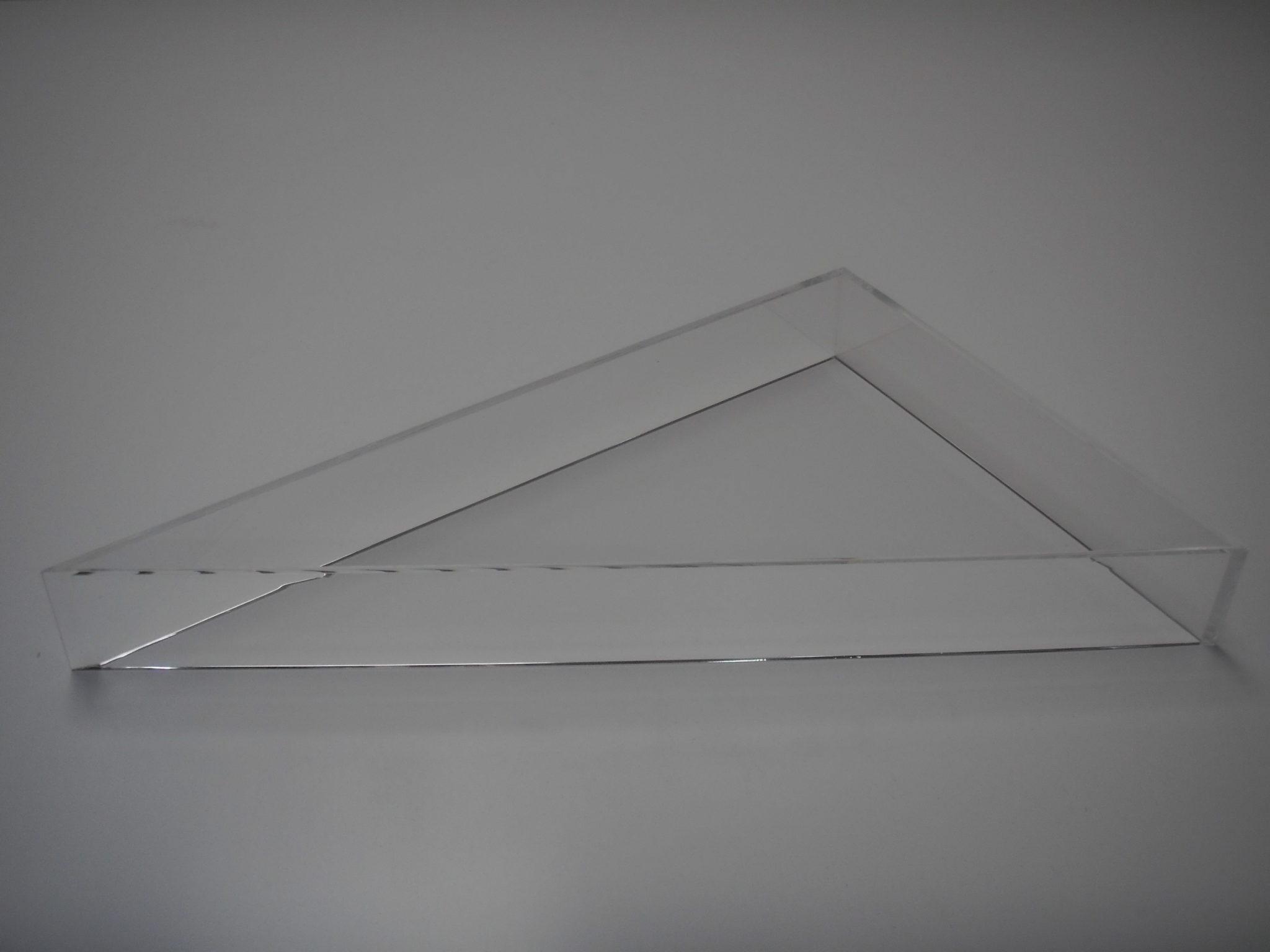 Vitrine plexiglas sur mesure